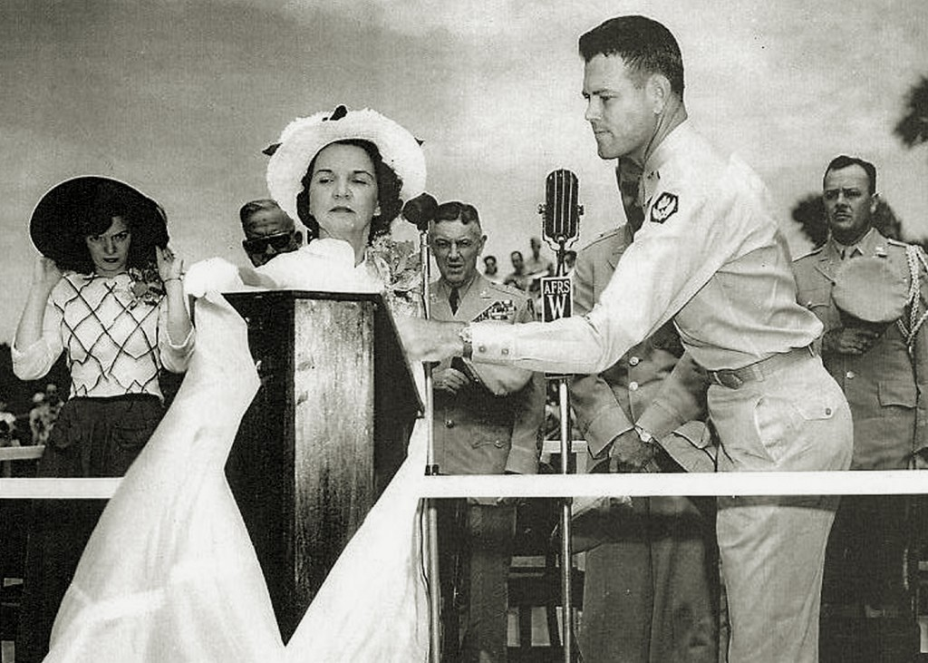 MRS. RAMEY AND DAUGHTER AT BORINQUEN FIELD RENAMING CEREMONY 1948