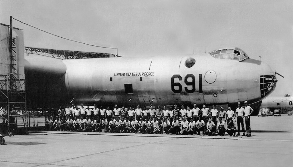 RB-36 49-2691 AT RAMEY AIR FORCE BASE. 72nd PERIODIC MAINTENANCE CREW ALONGSIDE (ca. 1953-1955)