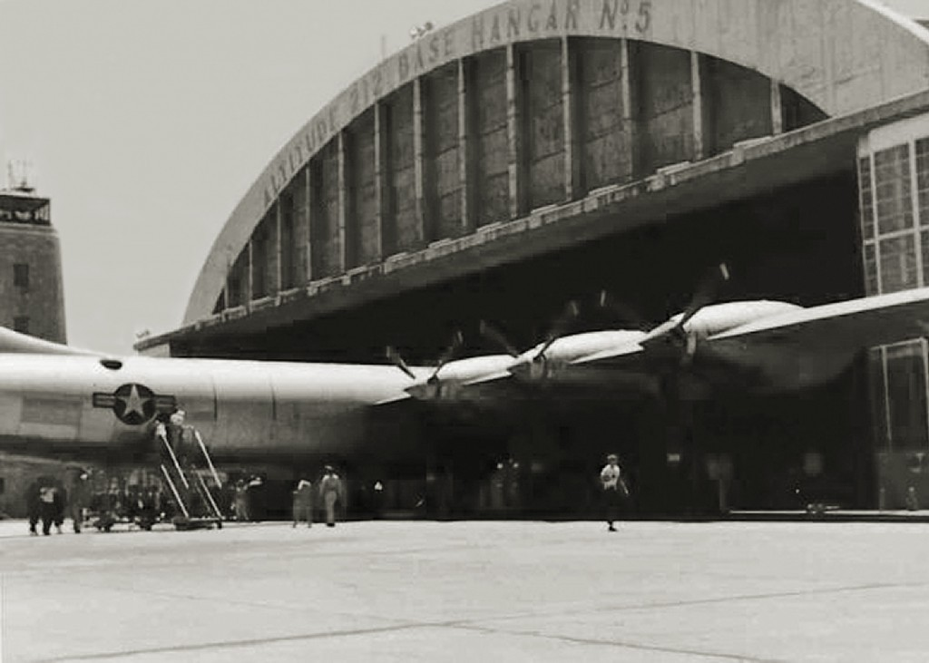 B-36 SEEN BY HANGAR 5 AT RAMEY AIR FORCE BASE 1954